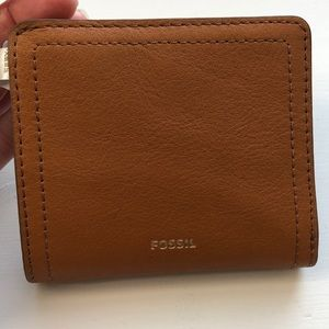 NEW leather Fossil mini wallet